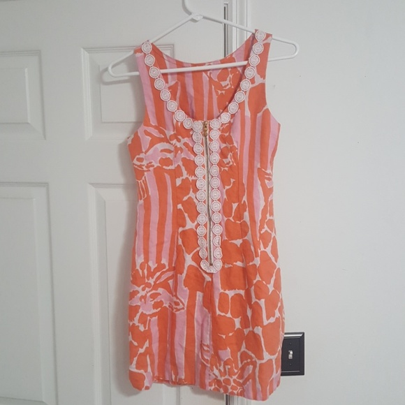 ca69f02d4eec45 Lilly Pulitzer for Target Dresses & Skirts - Lilly Pulitzer giraffe shift dress  size 2